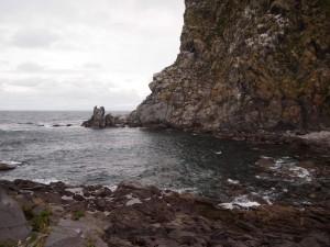 ペシ岬の下